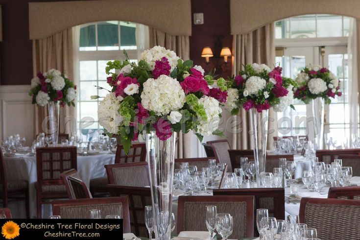 Trumpet Vases With Roses And Hydrangeas Center Piece