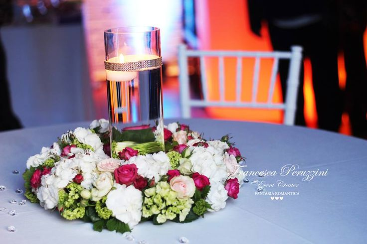 Wedding in Florence - metropolitan loft and decoration , floating candles www.fantasiaromantica.com