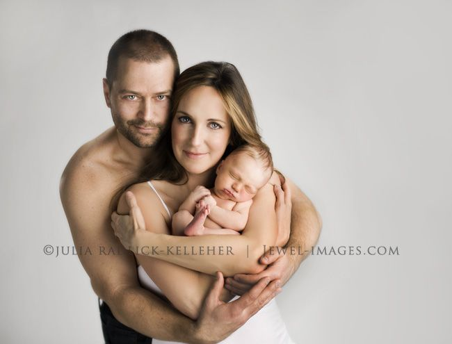 Newborn Poses With Parents