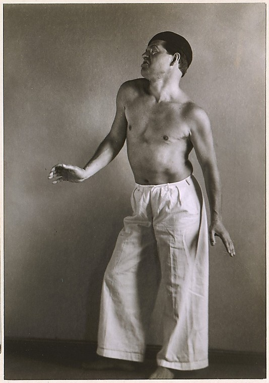 Photo of Raoul Hausmann taken by August Sander, 1927-28 Raoul Hausmann was considered an important figure in Berlin Dada.
