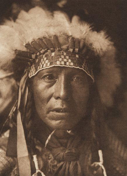 Red Star - Arikara (The North American Indian, v. V. Cambridge, MA: The University Press, 1909) but no location