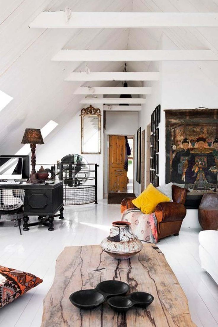 eclectic / mix-matched interior design