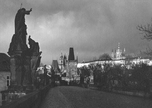Praha: Charles Bridge, 1988 by Jan Reich