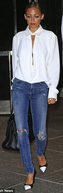 Nicole Ritchie showed off her sexy and sophisticated fashion sense yesterday, when leaving a New York hotel.