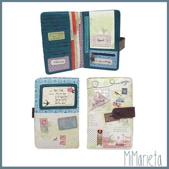 Preciosa billetera de viaje con departamentos para pasaporte, tarjetas, billetes, monedas, tarjeta embarque etc… Tamaño: 26cm.
