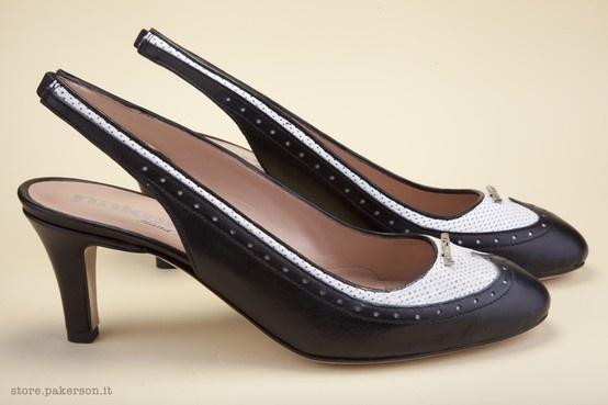 Italian elegance, handmade beauty. Discover Pakerson leather shoes. - Eleganza Italiana, bellezza artigianale. Scopri le scarpe in pelle Pakerson. http://store.pakerson.it/high-heel-decolletes-27285-nero-bianco.html