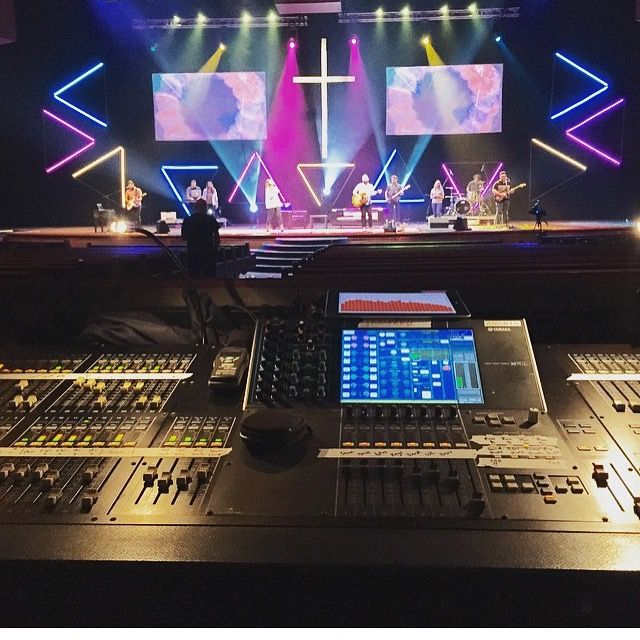 LED Geometry from Christ's Church in Jacksonville, Fl | Church Stage Design Ideas