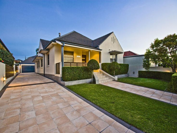 Photo of a rendered brick house exterior from real Australian home - House Facade photo 1044853