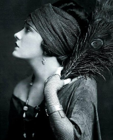 Amazing flapper style