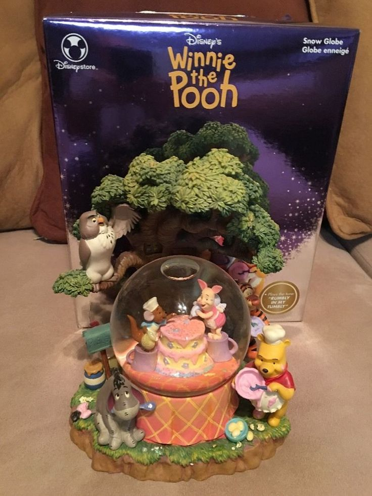 Rare Disney Winnie the Pooh Friend TREE HOUSE Musical Snow Globe ~Birthday Cake