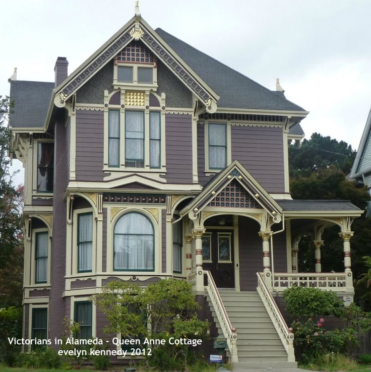 Best 25 queen anne houses ideas on pinterest beach for Queen anne cottage house plans