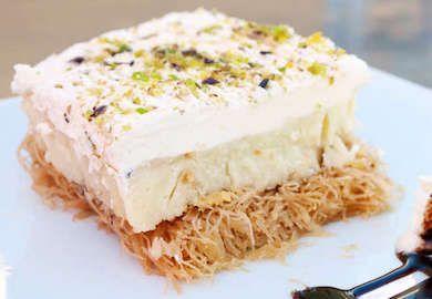 Yunan Usulü Tel Kadayıf tarifi bir lezzet ve kalori bombası, ama yerken verdiği haz her şeye değer. Çok da zor olmayan tarifin malzemeleri şöyle;