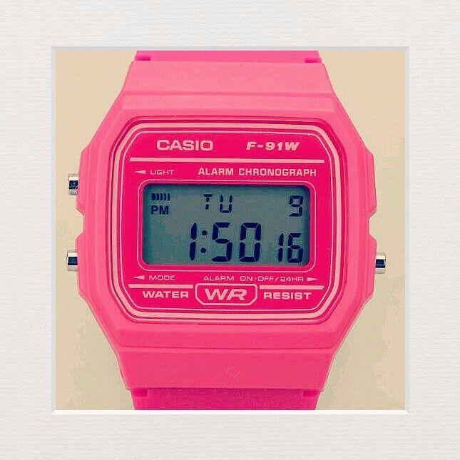 Casio Rosa Neon $160. Edición limitada.
