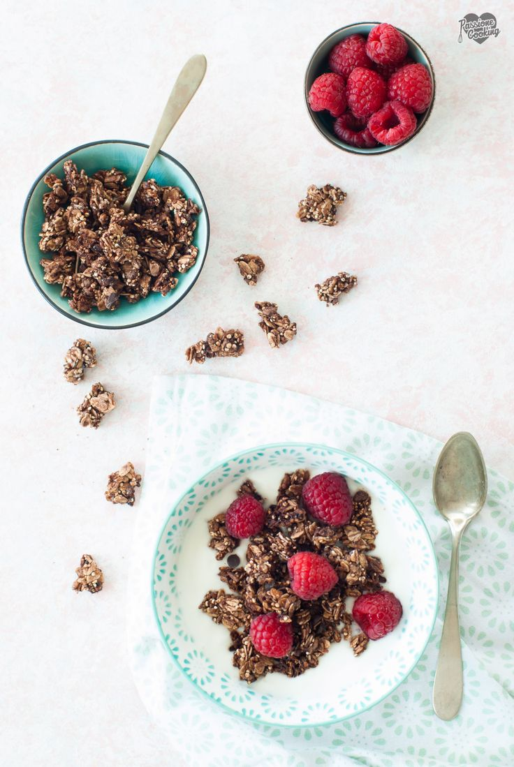 Granola al cioccolato fatta in casa Quinoa-Schokolade-Granola