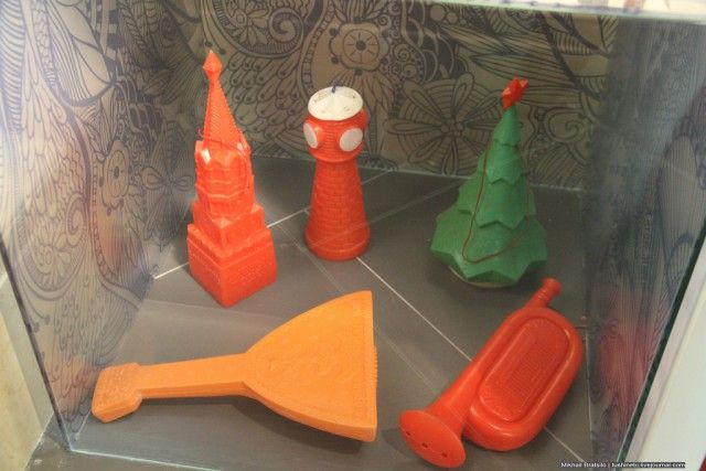 Кремль, балалайка, башня, труба, ёлка. Игрушки СССР - http://samoe-vazhnoe.blogspot.ru/ #рупаковка