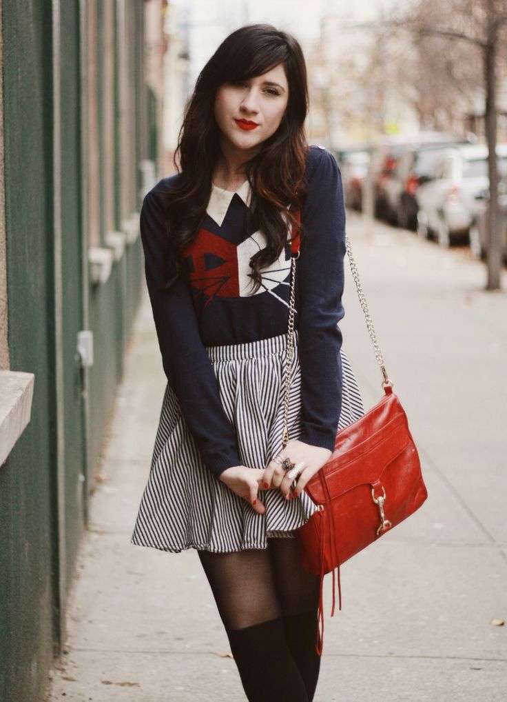 Flashes of Style: City Kitty (I love the sweater...)