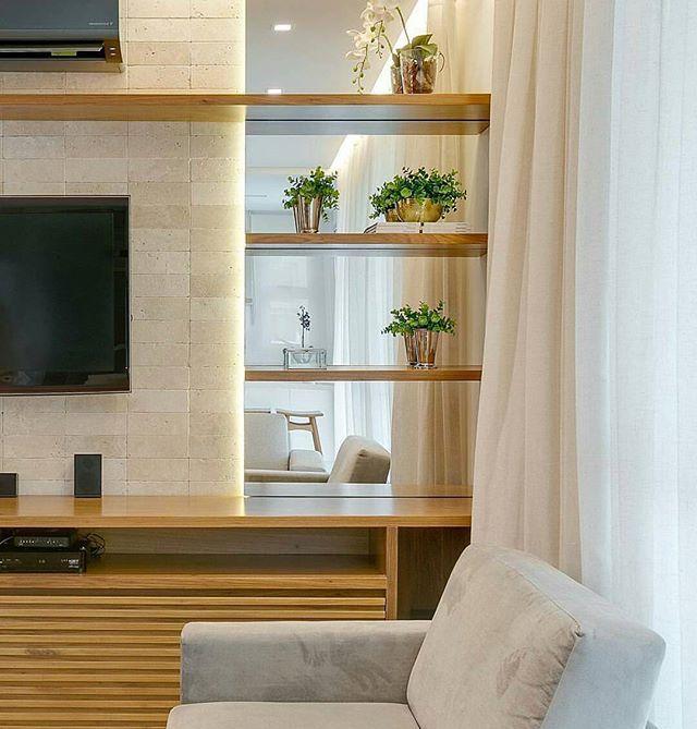 #inspiraçao #sala #salatv #salaestar #marcenaria #prateleiras #espelho # Decor #decora #decoração #home #homedecor #estilo #design #interiores  #projeto ...