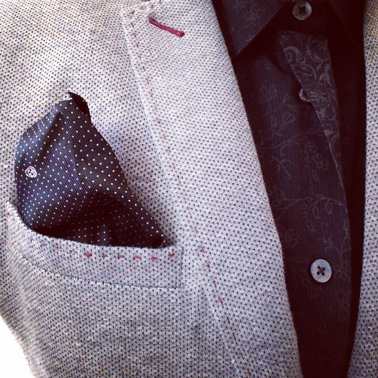 Don't forget to finish your outfit... pull out your #pocketsquare