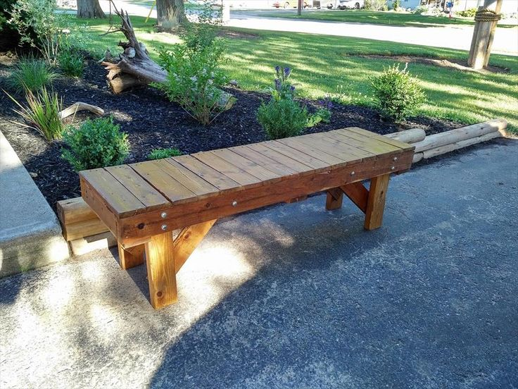 So We Have Brought To You This DIY Pallet Outdoor Bench Seat Made From The  Pallet Slats And Plank Pieces With Quite A Feasible Structure Of A Long And  Seat ...