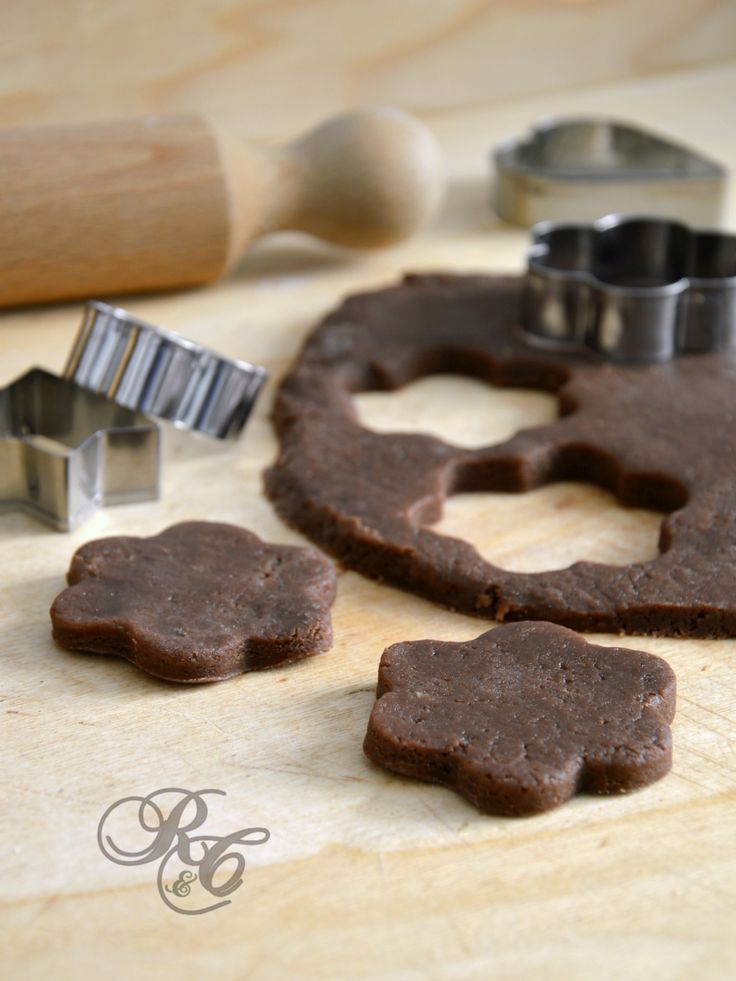 Pasta frolla al cacao  http://blog.giallozafferano.it/rafanoecannella/pasta-frolla-al-cacao/