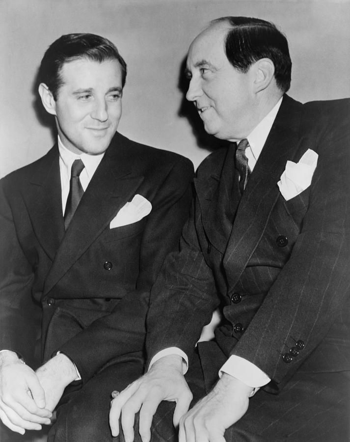 """Attorney Jerry Giesler (1886-1962, at right) and his client, Benjamin """"Bugsy"""" Siegel. Mr. Giesler was was the first president of the Criminal Courts Bar Association in Los Angeles."""