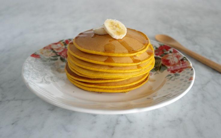 Una nuova versione dei pancake, questa volta con un ingrediente speciale: la zucca. Soffici e gustosi, questi pancakes sono ideali per la prima colazione o un brunch. Low FODMAP, senza latticini, veg.