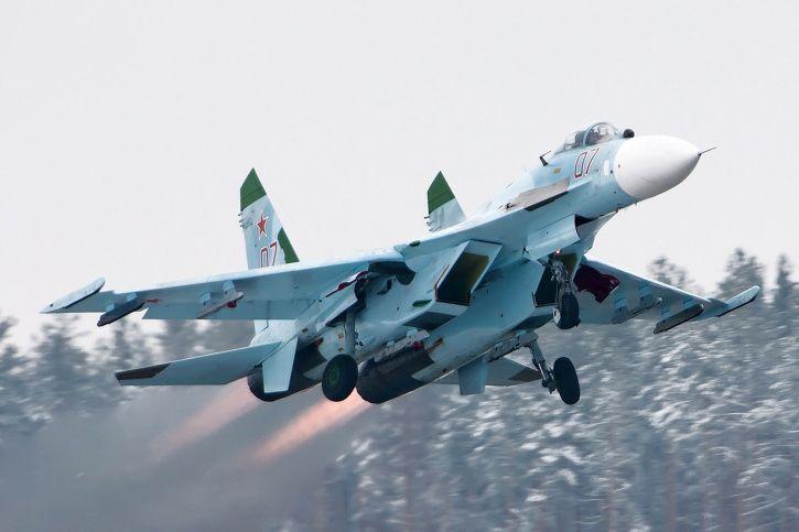 Suhkoi Su-27 Flanker