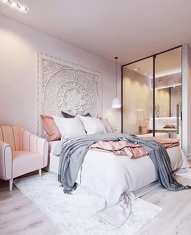 Blush Pink White And Grey Pretty Bedroom Via Ivoryandnoir: Best 25+ Mirror Headboard Ideas On Pinterest