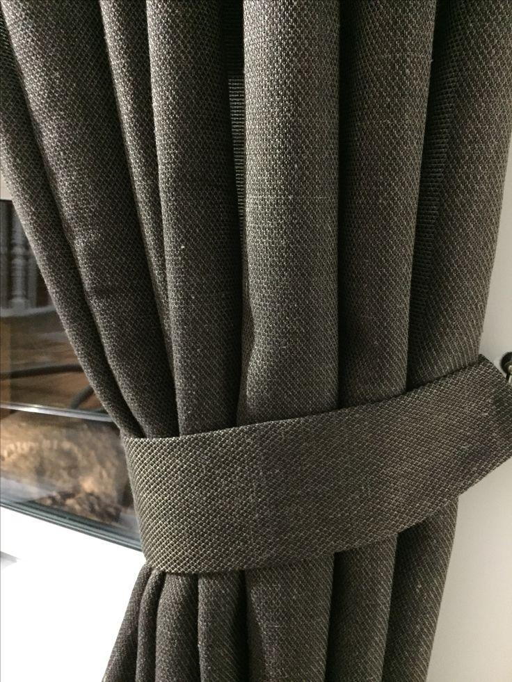 Шикарная ткань под лён с выработкой. Не мнётся, отлична в эксплуатации. Производство Германия. Выполнены в свободном стиле на подхватах. На мансардном этаже бани. #ashtori