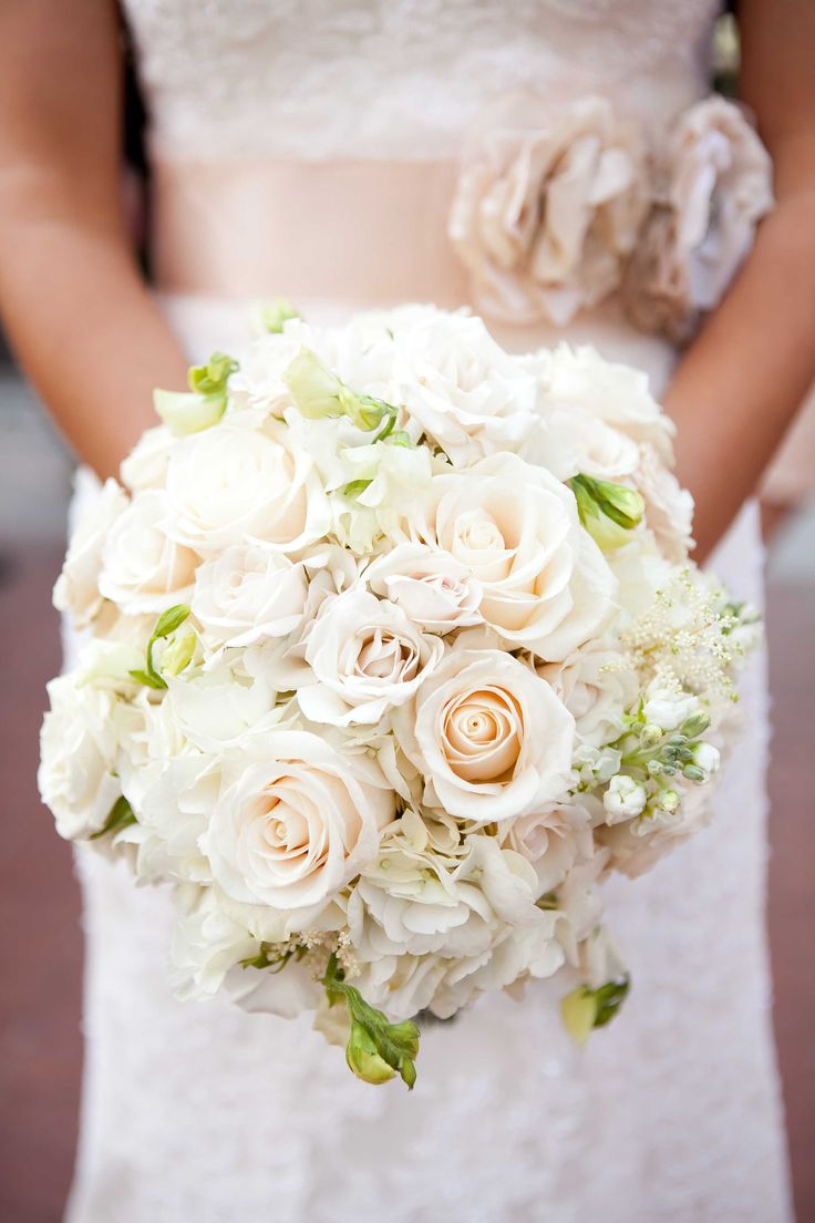 Love the idea of an all white bridal bouquet with ribbon to match the color scheme!
