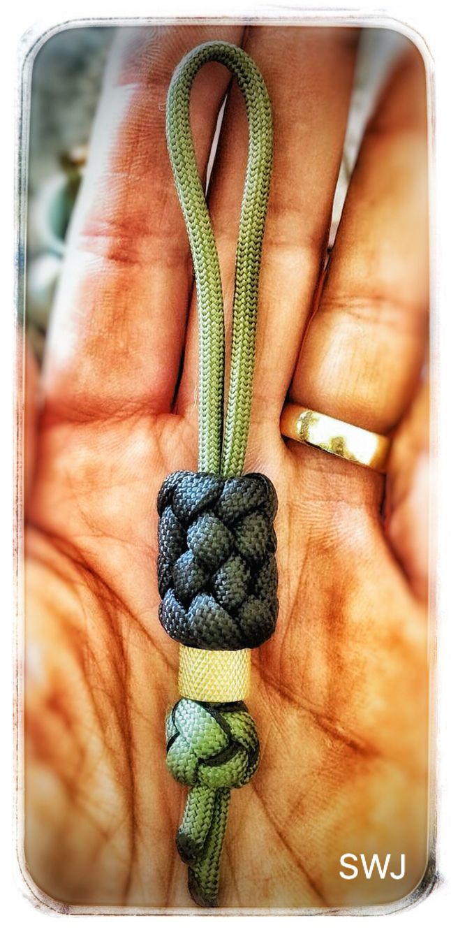 The 324 best images about paracord rope and weaving etc for Knife lanyard ideas