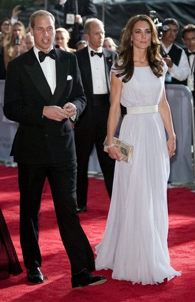 Kate Middleton Photo - Prince William and Kate Middleton at the Belasco Theatre