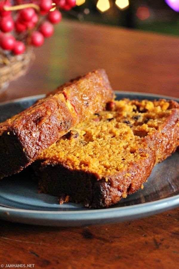Libby's Ridiculously Moist Pumpkin Cranberry Bread | Jam Hands