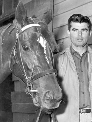 Bart Cummings and 1965 Melbourne Cup champion Light Fingers.
