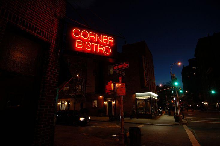 Corner Bistro.Nyc To Do, Manhattan Restaurants, Burgers Boards, Nyc Todo, Corner Bistros, Southwest Burgers, Good Burgers, Best Burgers, Classic Manhattan