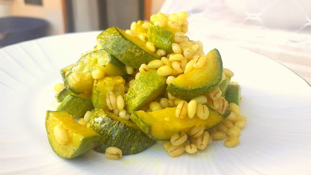 Cucina Spartana: Orzotto e zucchine