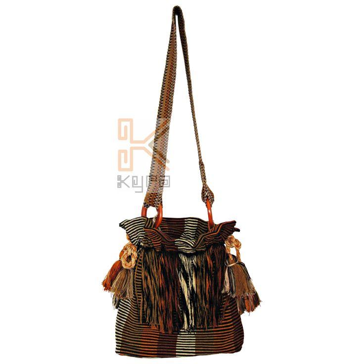 Mochila Tejida en telar vertica, por artesanas de morroa sucre