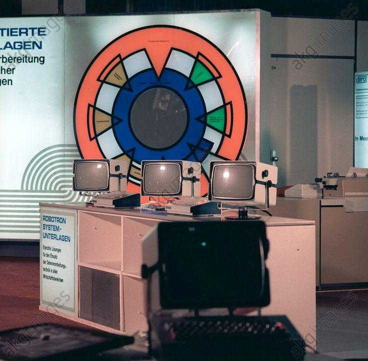 DDR – VEB Robotron auf Leipziger Messe 1972