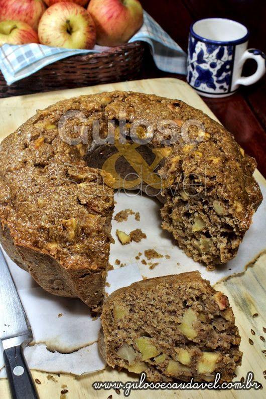 #BomDia! Este Bolo de Maçã com Aveia e Linhaça é uma delicia no café da manhã, é saudável e #SemLactose! Huumm, vai bem uma fatia, não? #Receita aqui: http://www.gulosoesaudavel.com.br/2013/05/24/bolo-de-maca-com-aveia-e-linhaca/
