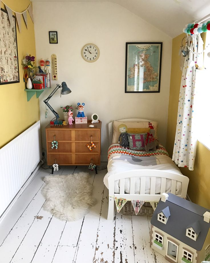Vintage-style child's bedroom in Farrow and Ball's Citron #yellow #yellowbedroom #childsbedroom #girlsbedroom #farrowandball #citron #vintagestyle #retro #cottagelife #smallbedroom #smallspace
