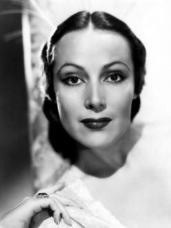 Dolores del Río (1905-1983) Es considerada una de las máximas estrellas del Cine mexicano, y de Hollywood durante la era del cine mudo y principios del sonoro. Su rostro es considerado uno de los más perfectos y sus interpretaciones la ubican como una de las mejores actrices de la época de oro del cine mexicano.