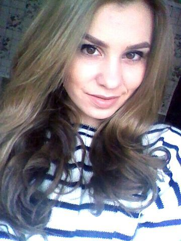 Irina Chireacova. Love her beautiful curly hair.