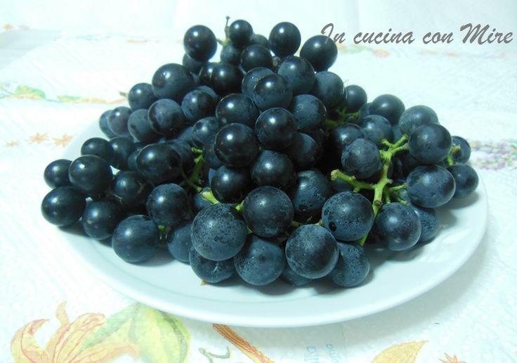 Come togliere i semi dagli acini d'uva http://blog.giallozafferano.it/incucinaconmire/come-togliere-i-semi-dagli-acini-duva/
