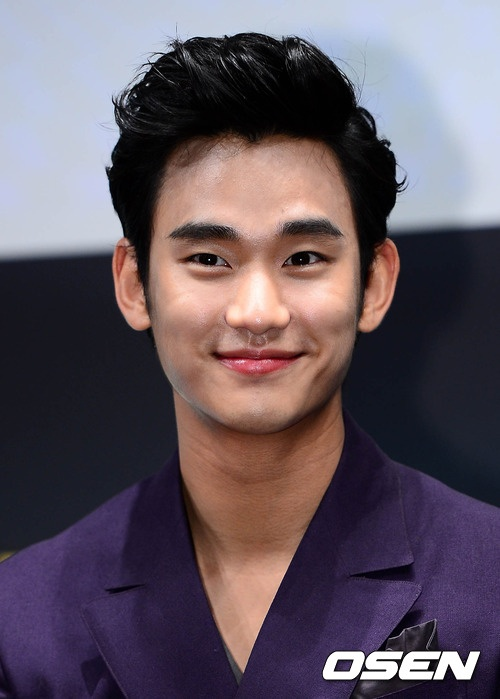 [June 12th 2012] Kim Soo Hyun (김수현) at The Thieves (도둑들) Press Conference #3 #KimSooHyun #SooHyun #TheThieves #Dodookdeul
