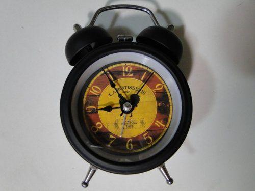 Relogio Retro Antigo Despertador Campainha Metal Rotisserie http://produto.mercadolivre.com.br/MLB-589080906-relogio-retro-antigo-despertador-campainha-metal-rotisserie-_JM