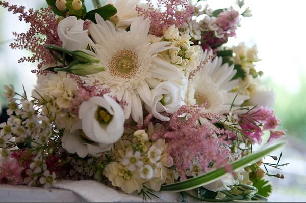 Elite Florals - Affordable Wedding Flower Designers in Abington | Wedding Flower Packages in Philadelphia, Chestnut Hill, New Hope, Richboro, and International Weddings | Philadelphia Wedding Florists