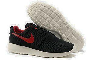 chaussures nike roshe run id homme (noir/blanc/rouge logo) pas cher en ligne.