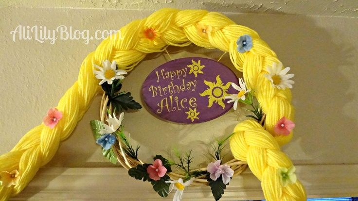 rapunzel inspired birthday wreath: Party Wreaths, Tangled Birthday, Rapunzel Birthday, Rapunzel Party, Rapunzel Inspiration, Birthday Wreaths, Party Idea, Inspiration Birthday, Birthday Party