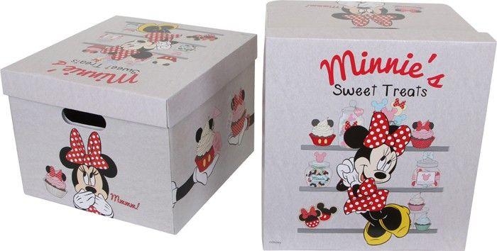 Set van 2. Wat schattig! Mickeys snoezige vriendin is altijd een lust voor het oog. In de praktische opbergdozen kunnen kleine en grote geheimen zitten. Gevouwen passen de boxen in elke hoek en opgebouwd kan het stevige karton op vele manieren gebruikt worden.  Afmetingen: ca. 34 x 36 x 26 cm. - Base Toys opbergdoos Minnie Mouse