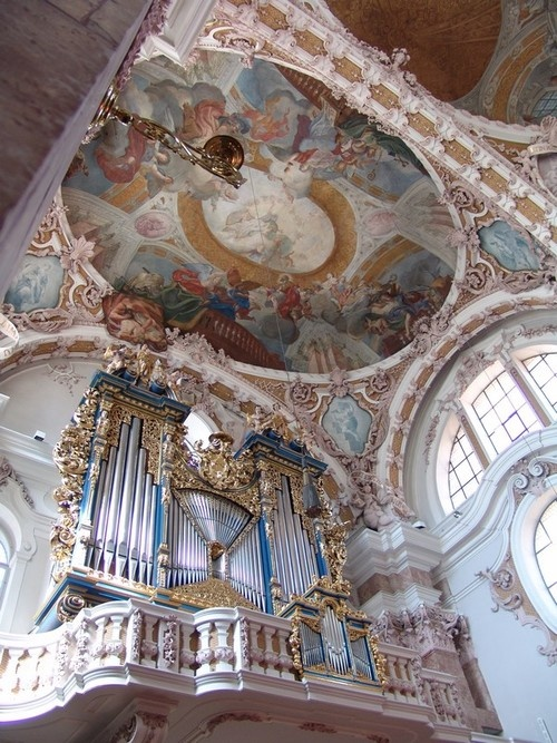 This organ is absolutely magnificent!